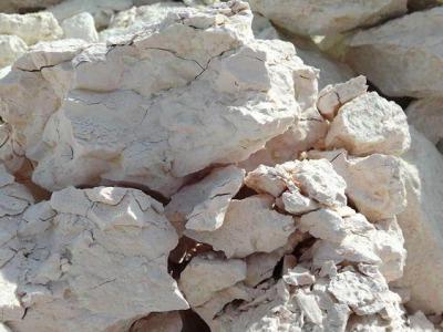 优质膨润土原矿外观质地细腻
